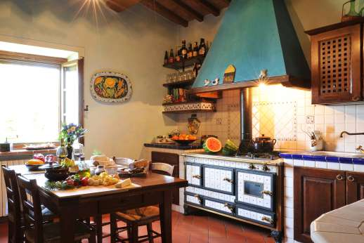 San Leolino (x 12 people) with Staff and Cook - First floor, well equipped kitchen.
