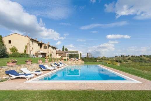 San Leolino (x 12 people) with Staff and Cook - Infinity-edge swimming pool, 16 x 8m/51 x 26 feet.