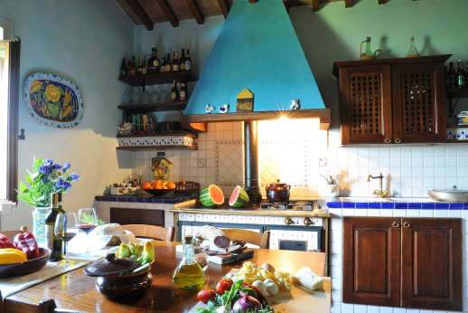 San Leolino (x 12 people) with Staff and Cook - Another view of the kitchen.