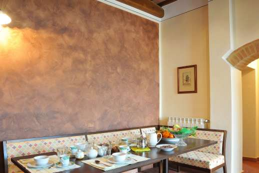 San Leolino (x 12 people) with Staff and Cook - Breakfast table.