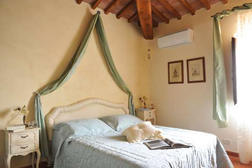 San Leolino (x 12 people) with Staff and Cook - Air conditioned first floor double bedroom.
