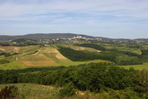 San Leolino (x 12 people) with Staff and Cook - San Leolino is a very comfortable restored farmhouse set on a hilltop enjoying stunning views of San Gimignano in the heart of Tuscany.