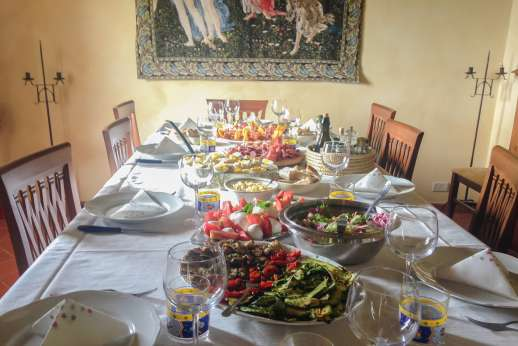 San Leolino (x 12 people) with Staff and Cook - Dining table set by staff and cook