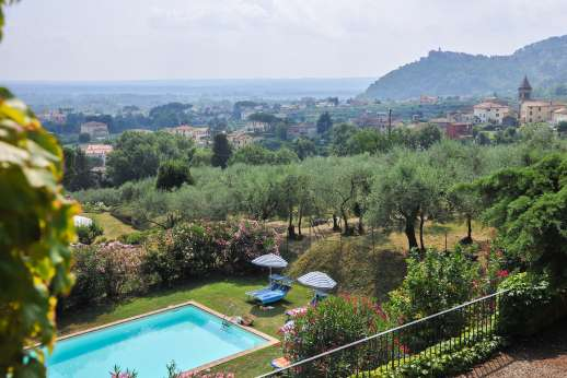 Villa Poggio ai Cipressi - Villa Poggio ai Cipressi, stunning period villa with fantastic views within walking distance to a small village in the hills near to Lucca.