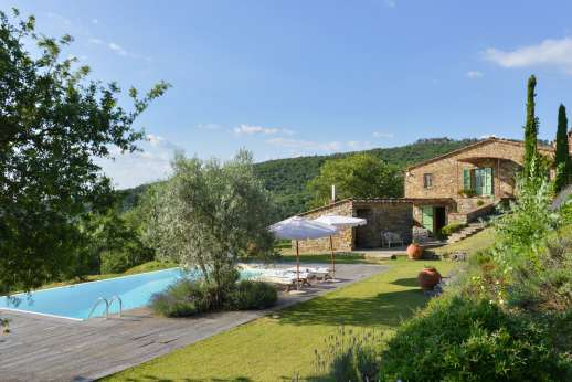 Villa Ambra - Villa Ambra, 4km/3 miles from the town of Ambra, near Chianti, Tuscany.