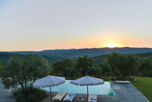 Villa Ambra - Sunsets from the pool