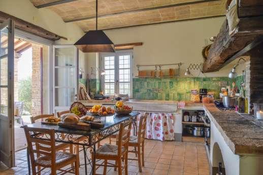 Acqua e Miele - A well-equipped kitchen.