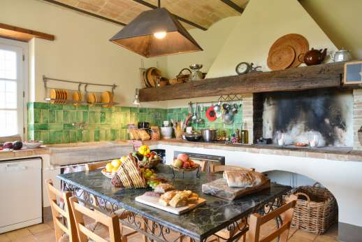 Acqua e Miele - External cooks Daniela or Alessandra, will come to the house and serve you a delicious Umbrian meal a real food experience at a very reasonable cost