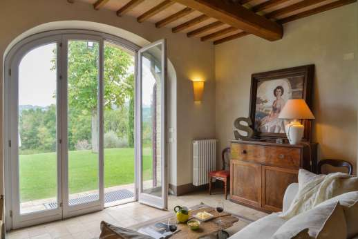 Acqua e Miele - Sitting room with access to the garden