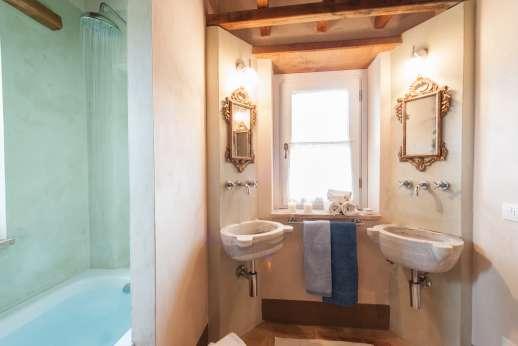 Acqua e Miele - Ensuite bathroom