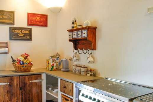 Campo Chinandoli - A well equipped kitchen area.