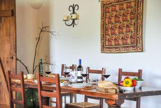 Campo Chinandoli - The dining area.