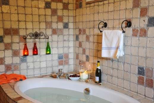 Campo Chinandoli - Bath in the en suite.