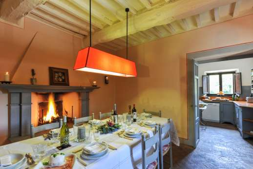Casa al Bosco - The large dining room next to the kitchen!