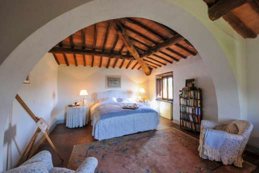Casa al Bosco - First floor, the second air conditioned double bedroom with bathroom.