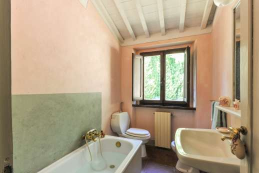 Casa al Bosco - One of the bathrooms