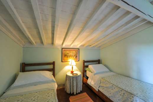 Casa al Bosco - The second twin bedroom on the mezzanine.