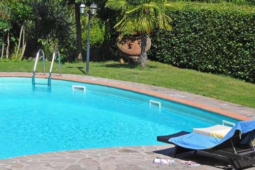 Casa Paggetti - The private 6 x 12 meter/19 x 38 feet swimming pool.