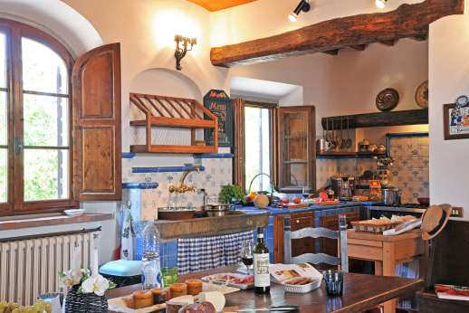 Casa Paggetti - Very well equipped kitchen.