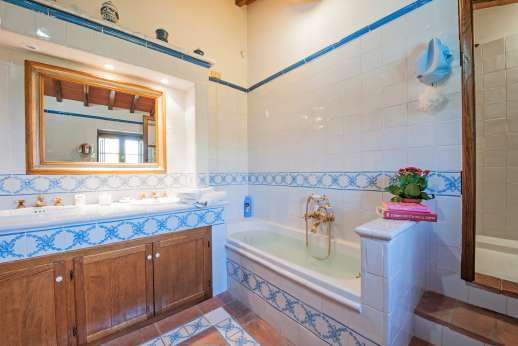 Casa Paggetti - Private bathroom.