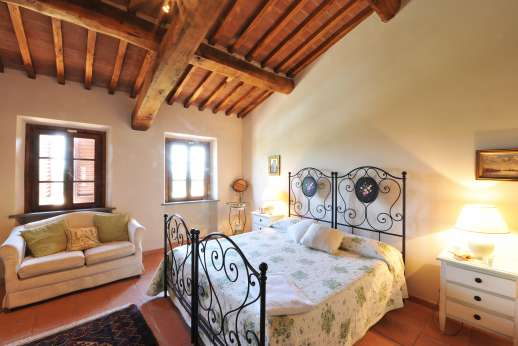 Casa Tara - Main house, air conditioned twin bedroom convertible to a double, with air conditioning.