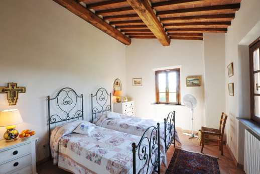 Casa Tara - Another of the twin bedrooms. Main house all the twin beds are convertible to double beds.