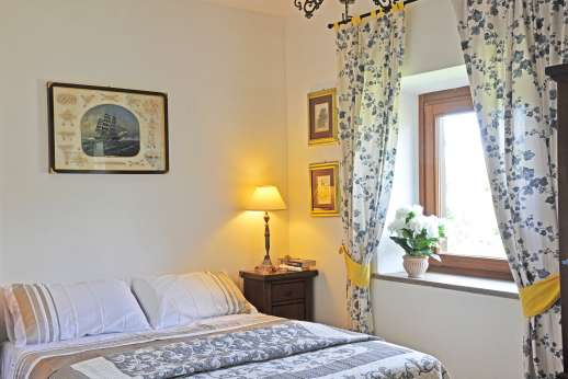 Casale Montecimbalo - Another of the double bedrooms.