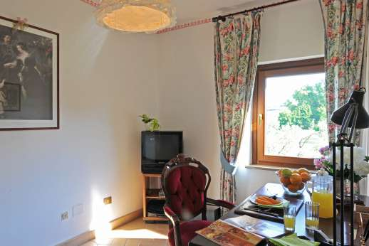 Casale Montecimbalo - Casale Montecimbalo a comfortable and welcoming property.