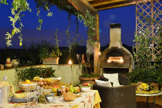Colli Fiorentini - A built-in barbeque/wood oven lends itself to traditional Tuscan fare.