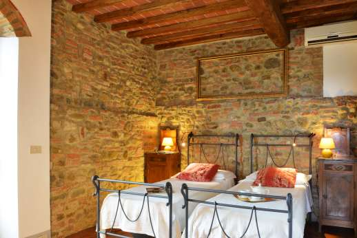 Colli Fiorentini - Another view of the twin bedroom.