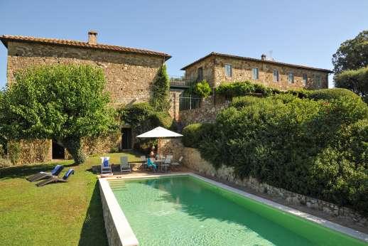 Geggianello - Geggianello, Ponte a Bozzone just 2km/1.5 miles away. near Siena. Tuscany.