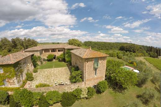 Geggianello - Geggianello is a stunning private home, perched on a hill top above immaculate vineyards