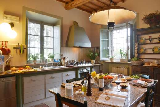 Geggianello - Fully equipped kitchen with larder room.