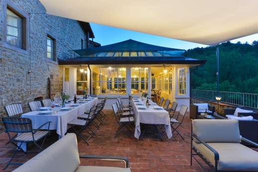 Relaxing outside seating and dining area