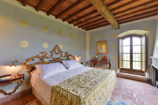I Corbezzoli - The first floor large air conditioned double bedroom named I Pini.