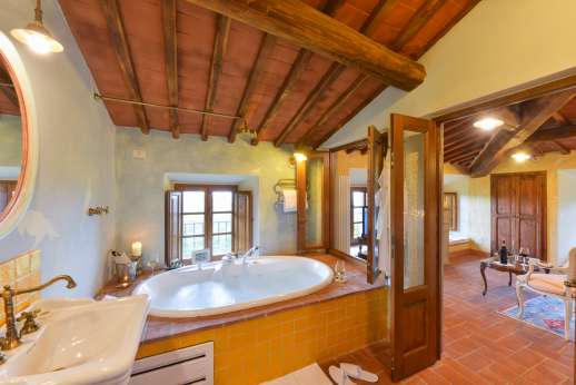 I Corbezzoli - The en suite bathroom of Le Ginestre.