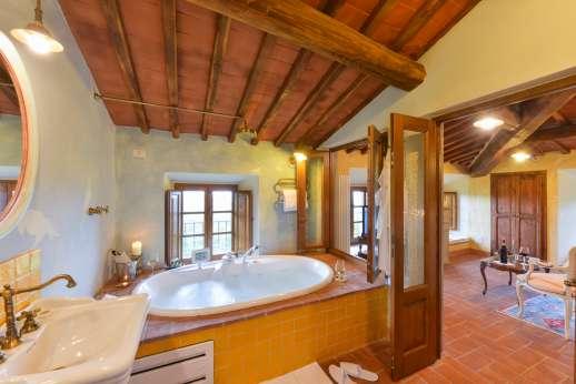 I Corbezzoli - The en suite bathroom of Le Ginestre.