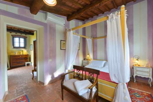 I Corbezzoli - A ground floor air conditioned double bedroom in the guest house named Le Eriche with independent entry.