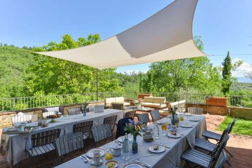 A Cooking Week at I Corbezzoli - Shaded outside dining