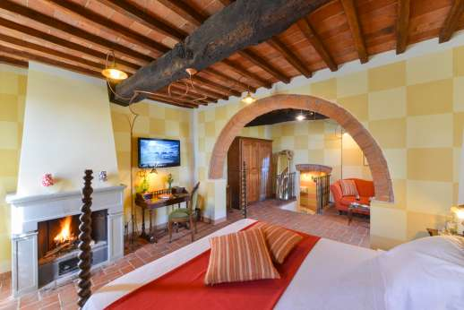 A Cooking Week at I Corbezzoli - Bedroom suite I Castagni
