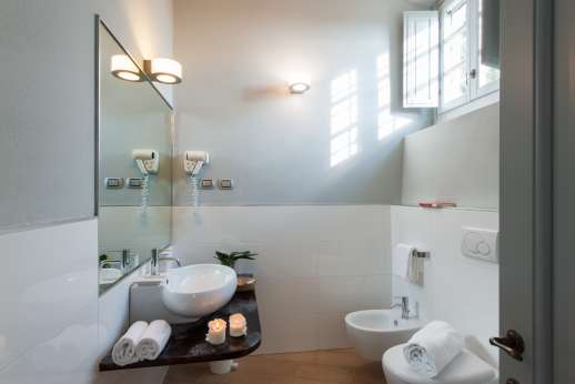 I Giullari - Independent suite, en suite bathroom