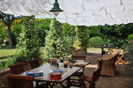 I Tre Cipressi - The loggia leads through to the kitchen perfect for enjoying your meals alfresco.
