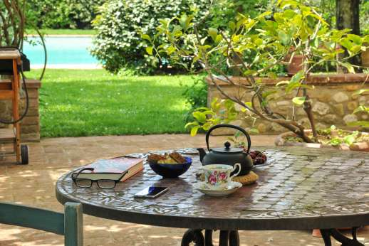 I Tre Cipressi - Relax outdoors with plenty of seating around the villa