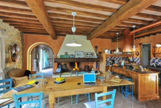 I Tre Cipressi - Large open kitchen and dining area