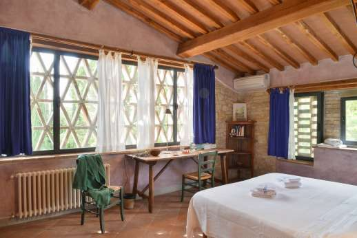 I Tre Cipressi - Another view of the double bedroom