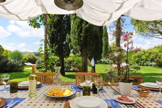 I Tre Cipressi - Wine dine and relax at this perfect villa