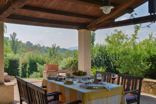 Il Cerro (x 5 people) with Staff and Cook - The lovely shaded dining loggia.