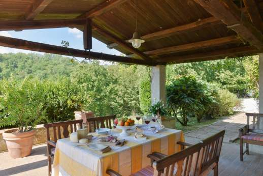 Il Cerro (x 5 people) with Staff and Cook - Dining loggia next to access to the kitchen