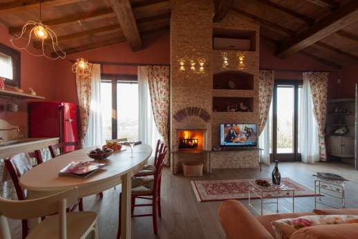 Il Chiesino - Guest house air conditioned kitchen/diner with table for 6 people and working fireplace