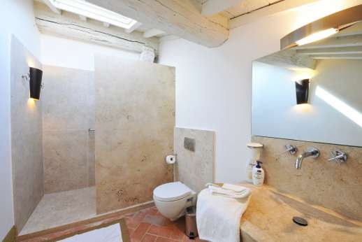 Il Cornello - En suite bathroom.